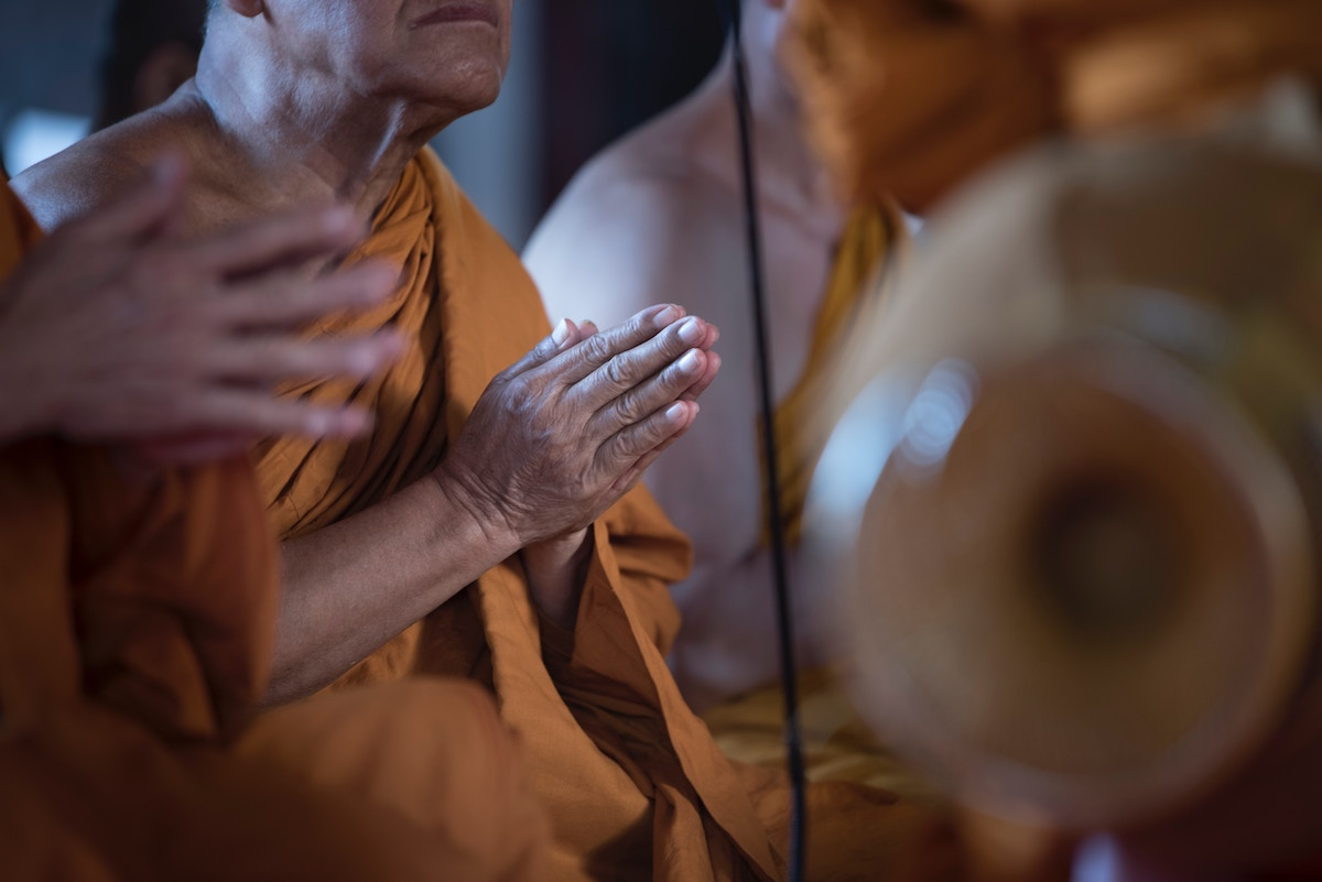 enterrement bouddhiste