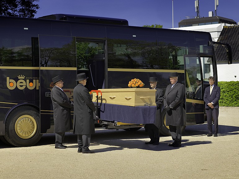 Bus funéraire Koninklijke Beuk