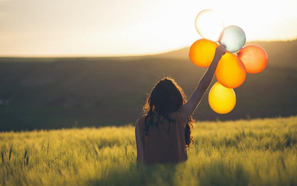 lâcher-de-ballon-femme-rituel