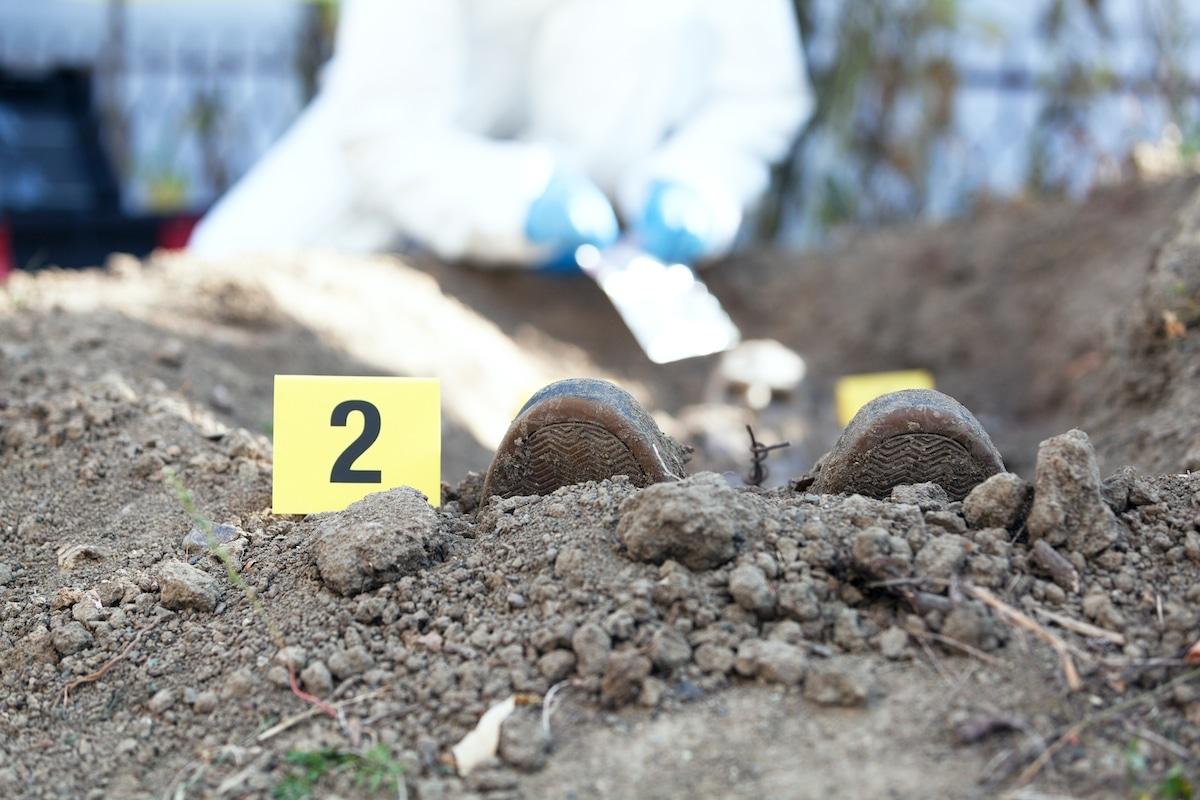 exhumation-tombe