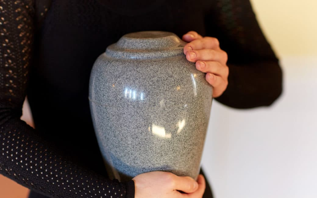 Transport urne funeraire