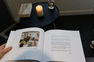 Livre hommage une rose blanche