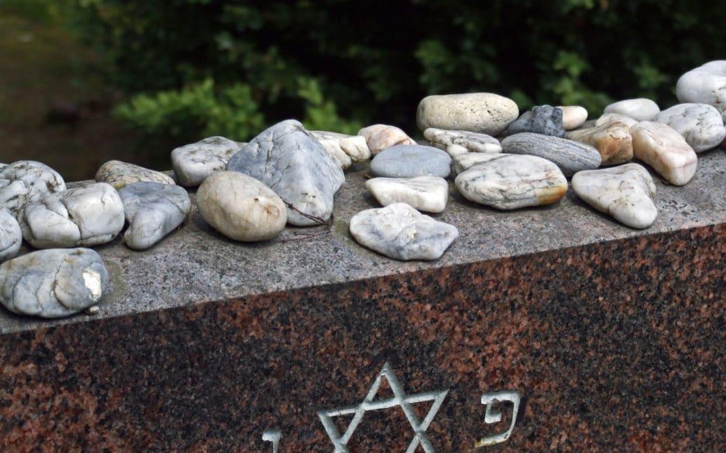shivah-judaisme-tombe-juive