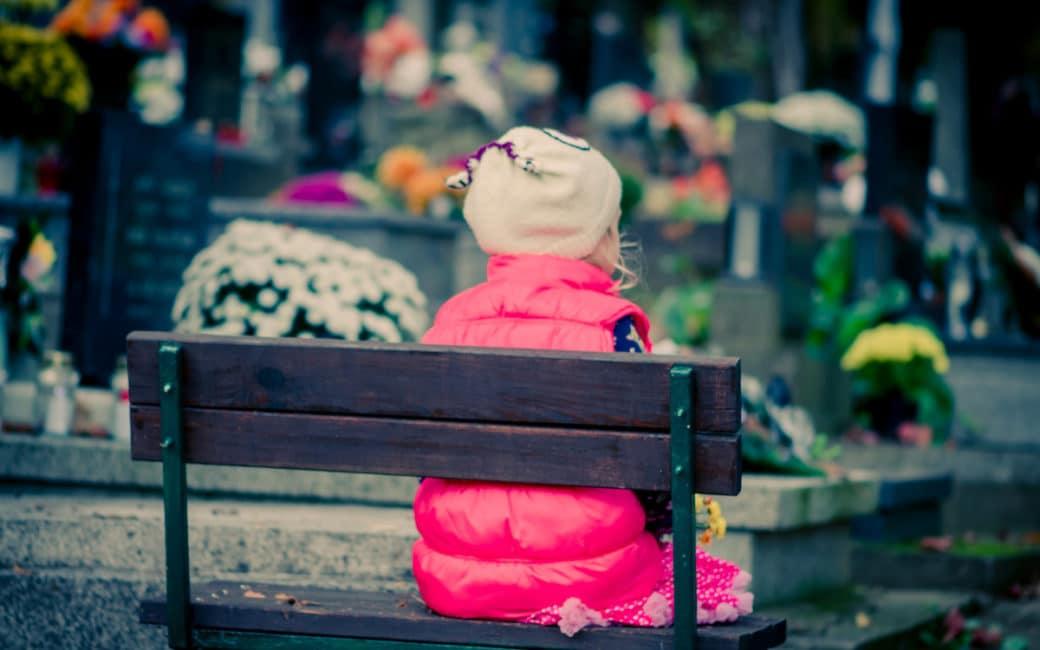 enterrement-pere-enfant