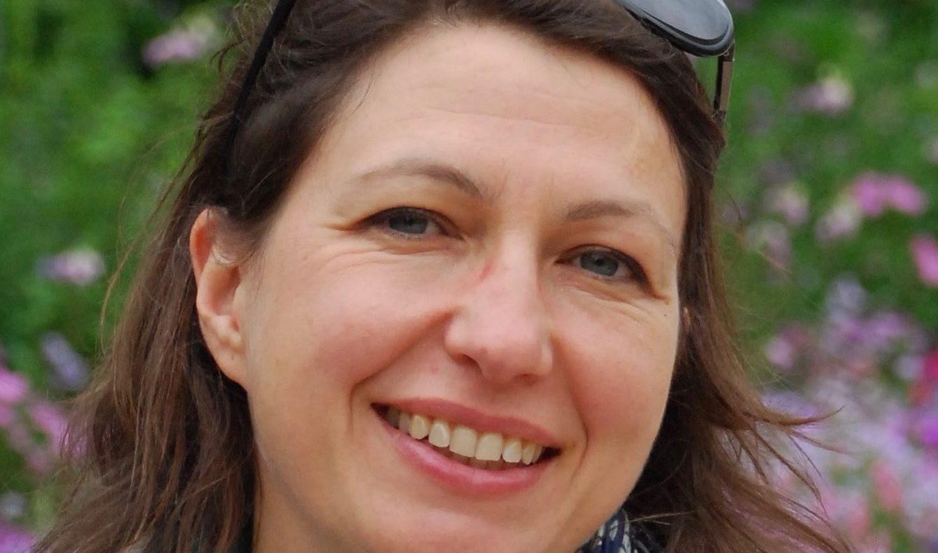 Lara Maulny officiante laique et musicienne